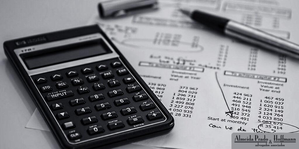 STF analisa questão tributária